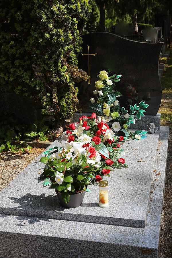 Monuments funeraires