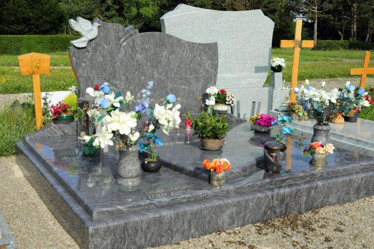 Pierres Actuelles Friess, artisan créateur de monuments funéraires sur-mesure